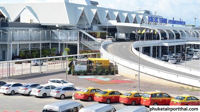 Parking Area di Bandara Internasional Phuket Thailand