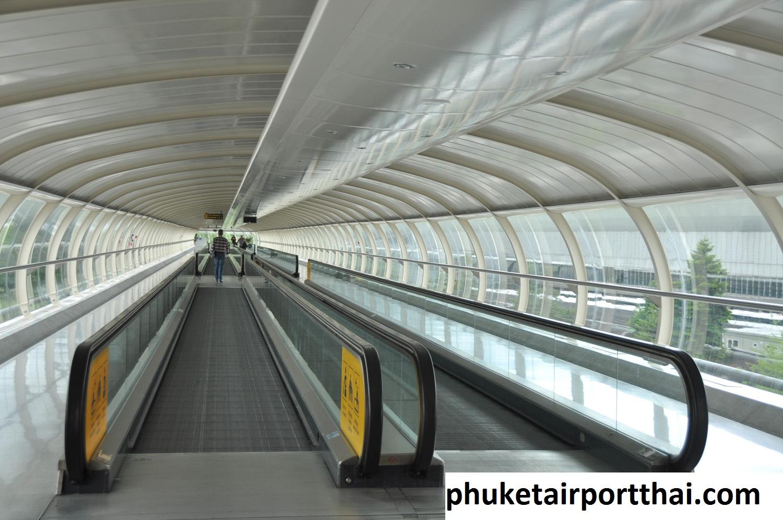 Desain Travelator Pada Bandara Internasional Phuket Thailand