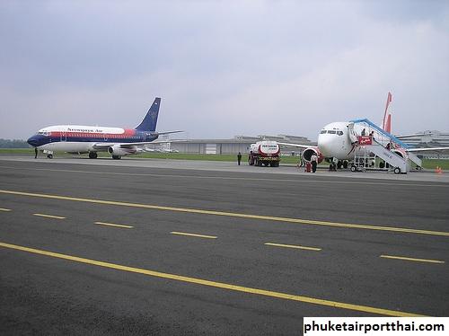Pola Lalu Lintas Lapangan di Bandara Internasional Phuket Thailand